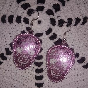 Feligree skull earrings